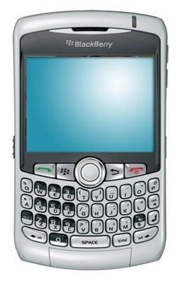 BlackBerry Curve 8300 với bàn phím Qwerty tiện dụng. Ảnh: computershopper.