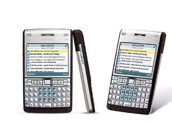 Nokia E61i hỗ trợ tốt e-mail. Ảnh: Expansys.