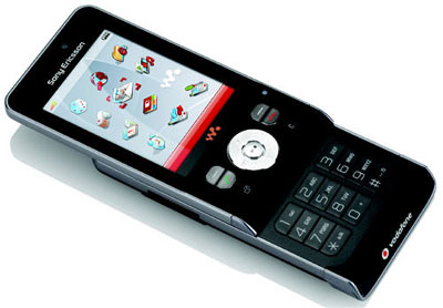 Sony Ericsson W910i sở hữu tính năng lắc để chuyển bài. Ảnh: Unwiredvie
