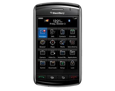 Storm không đi theo truyền thống bàn phím QWERTY của BlackBerry. Ảnh: Cnet.