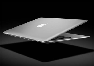 Không chỉ mỏng, MacBook Air trong tương lai có thể sẽ còn nhẹ hơn. Ảnh: Tech2.