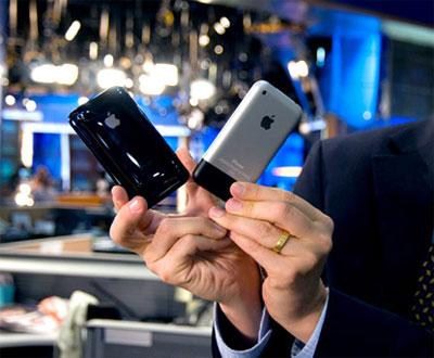 iPhone 3G kế thừa phiên bản đầu nhưng đẹp hơn. Ảnh: Zdnet.