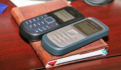 Bộ đôi Nokia mới có giá chỉ 25 USD sẽ thay thế 1200 đang bán chạy. Ảnh: Mobile-review.