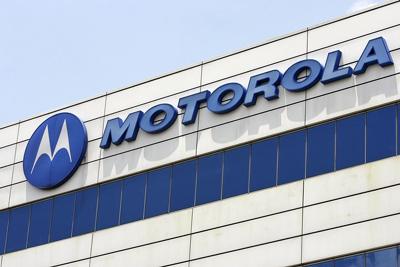 Gặp nhiều khó khăn trong kinh doanh khiến Motorola bị các hãng hút nhân viên. Ảnh: AP.