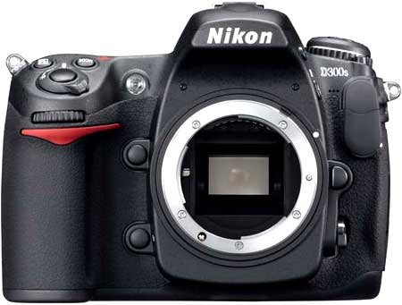 Nikon D300s. Ảnh: Imaging Resource.