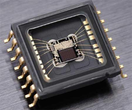 Chip xử lý tích hợp các chức năng: nhận diện khung cảnh, lấy nét tự động, kiểm soát phơi sáng và cân bằng trắng trên D300 vẫn được duy trì trên D300s. Ảnh: Imaging Resource.