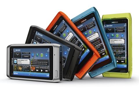 N8 được chờ đợi là đối thủ của iPhone, nhưng nhiều người cho rằng, Nokia đã quá muộn.