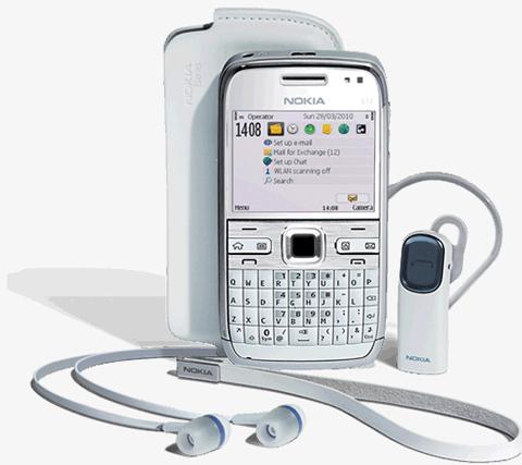 Nokia E72 phiên bản màu trắng.