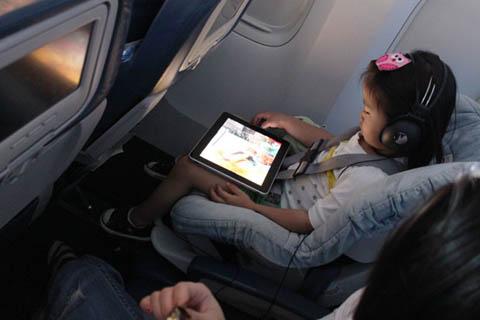 iPad là một thiết bị giải trí tốt. Ảnh: Quốc Huy.