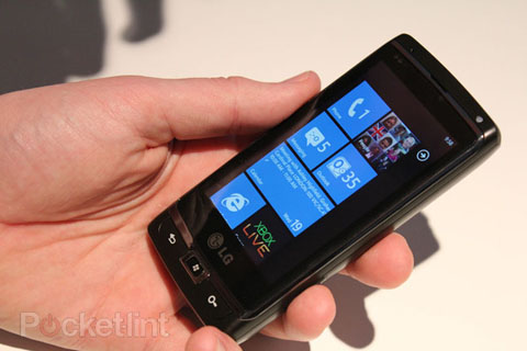 Windows Phone 7 trên LG Panther.