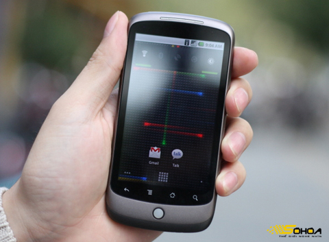 Cùng với Desire, Nexus One sẽ chuyển từ AMOLED sang màn hình S-LCD. Ảnh: Quốc Huy.
