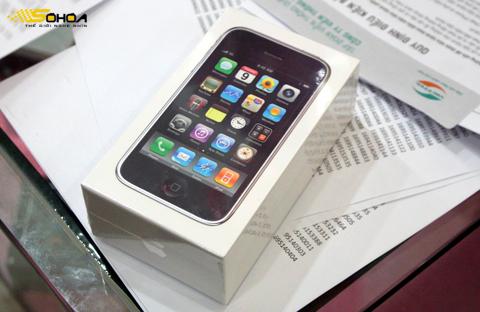 Đây là đợt nhập iPhone thứ hai của Viettel. Ảnh: Quốc Huy.