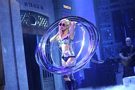 Lady Gaga đạt 1 tỷ lượt xem trên YouTube.