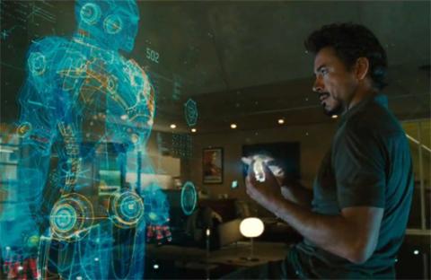 Nhân vật chính trong bộ phim Iron Man 2 đang sử dụng công nghệ 3D Holographic. Ảnh: Thereviewcrew.