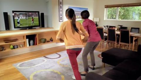 Xbox Kinect mang tới cho người chơi sự tự do khác hẳn với các kiểu chơi game truyền thống. Ảnh: Microsoft.