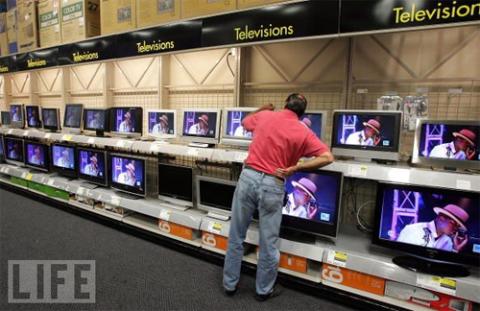 Doanh số LCD năm sau sẽ tăng thêm 30 triệu sản phẩm so với năm ngoái. Ảnh: Life.