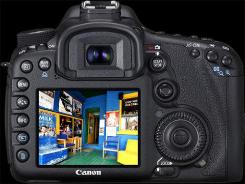 Canon 7D đã có firmware phiên bản 1.2.5 mới. Ảnh: Digitalreview.