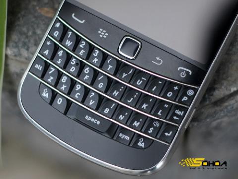 1000032575_BlackBerry-Bold-9900-8_480x0.