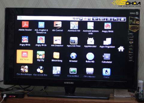 Hệ điều hành Android 2.2 trên máy cho phép cài đặt và sử dụng nhiều ứng dụng.