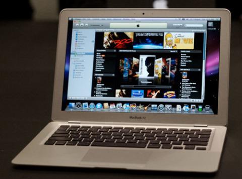 Nhiều mẫu ultrabook có giá cao hơn hẳn so với mức 999 USD của MacBook Air. Ảnh: Fedrux.