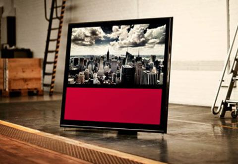 BeoVision 10 với khung viền màu đen. Ảnh: Flatpanelshd.