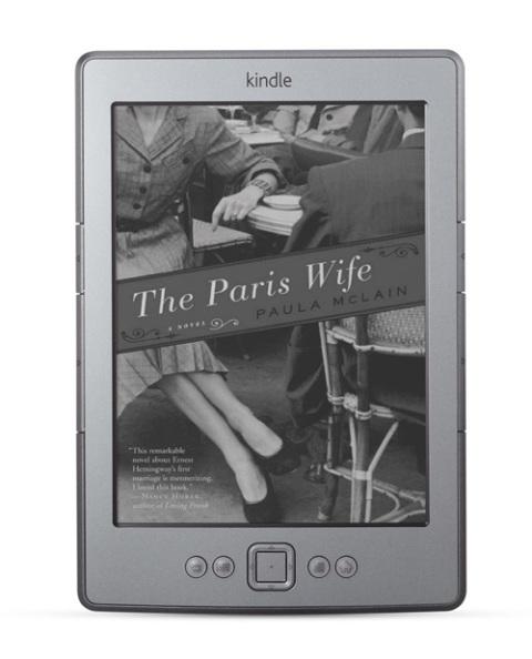 Amazon cũng làm mới lại model Kindle với phiên bản 2011 được loại bỏ bàn phím QWERTY và giá chỉ còn 79 USD.