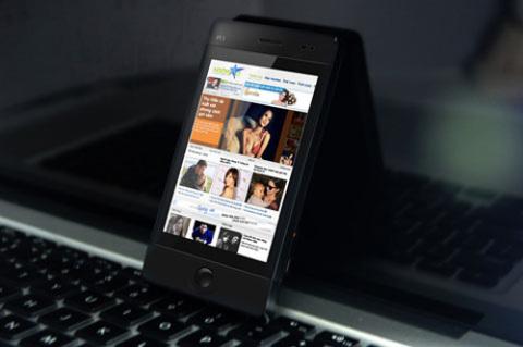 Q-mobile P11 với màn hình cảm ứng khá lớn.