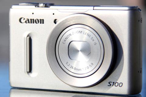 Canon PowerShot S100 mang vi xử lý DIGIC 5. Ảnh: