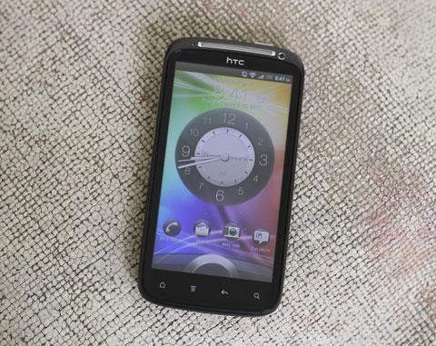 HTC Sensation thiết kế nam tính. Ảnh: Quốc Huy.