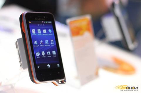 Xperia Active là điện thoại chống nước.