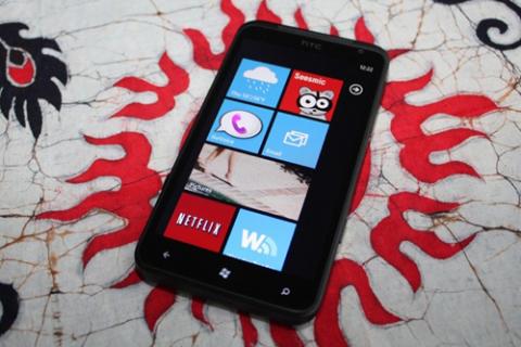 Windows Phone 7 không hoàn toàn
