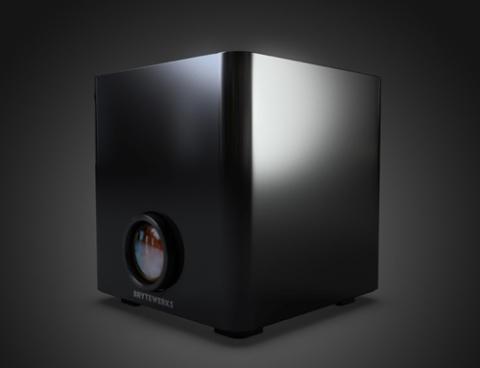 ...kết hợp với một HTPC có cấu hình vi xử lý Intel Core i, đầu Blu-ray tích hợp.