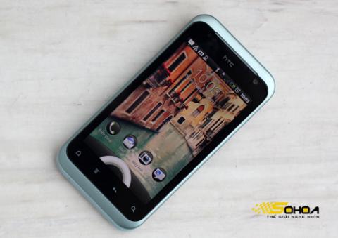 HTC Rhyme là mẫu smartphone chạy Android được thiết kế dành cho phái nữ. Ảnh: Tuấn Anh.