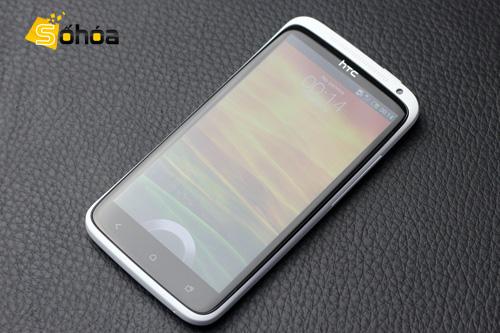 HTC One X, smartphone cao cấp nhất của HTC hiện nay. Ảnh: Tuấn Anh.
