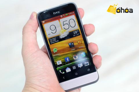 HTC One V với thiết kế gọn gàng, chạy Android 4.0. Ảnh: Tuấn ANh.