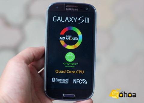 Galaxy S III là chiếc smartphone cao cấp nhất của Samsung, nổi bật với Super AMOLED HD màn hình 4,8 inch, bộ xử lý lõi tứ và Android 4.0.