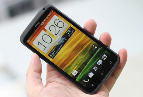 One X, chiếc smartphone cao cấp sớm bán ra tại Việt Nam. Ảnh: Quốc Huy.