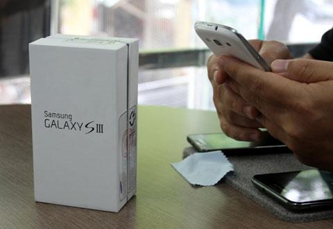 Samsung Galaxy S III là tâm điểm của làng di động mùa hè. Ảnh: Quốc Huy.