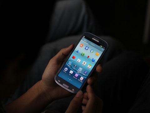 Là mẫu smartphone được chú ý trong mùa hè, Galaxy S III còn được nhà sản xuất có các chương trình quảng bá mạnh từ bán hàng đến tiếp cận người dùng.