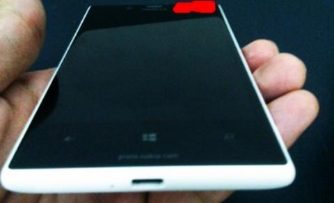 Nokia-Lumia-820-1-jpg[1024083416].jpg