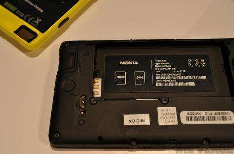 Nokia-Lumia-820-21-jpg-1346893540_480x0.