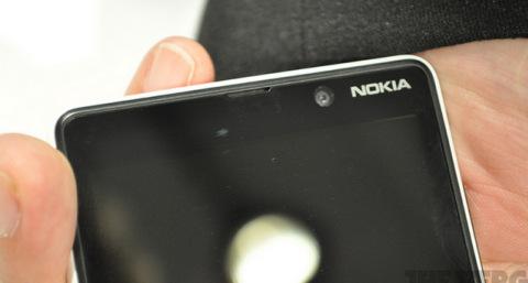 Nokia-Lumia-820-9-jpg-1346893540_480x0.j
