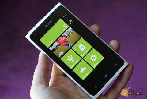 nokia-lumia-900-jpg-1349068056_480x0.jpg