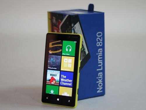 Nokia-Lumia-820-1-14-1357115759_500x0.jp