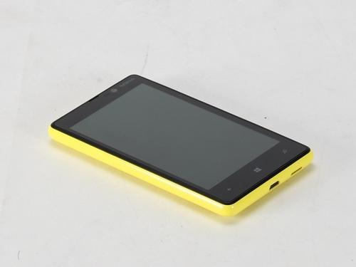 Nokia-Lumia-820-1-3-%5B1234085256%5D.jpg