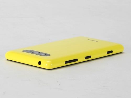 Nokia-Lumia-820-1-8-%5B1234085256%5D.jpg