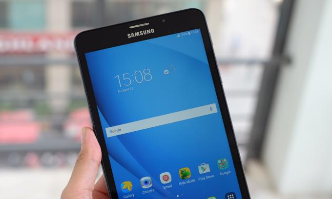 Galaxy Tab A 2016 hỗ trợ sim 4G giá 4,5 triệu đồng