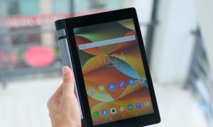 Tablet pin 20 tiếng giá 4,9 triệu đồng