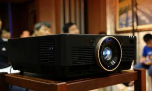 Máy chiếu 4K DLP đầu tiên Việt Nam với giá gần 200 triệu đồng
