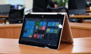 Laptop màn hình xoay 360 độ nặng chỉ 1,5 kg